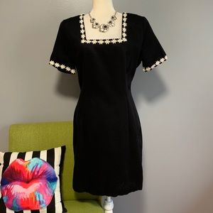 Roberta Vintage 90s Black Daisy Sheath Dress B6